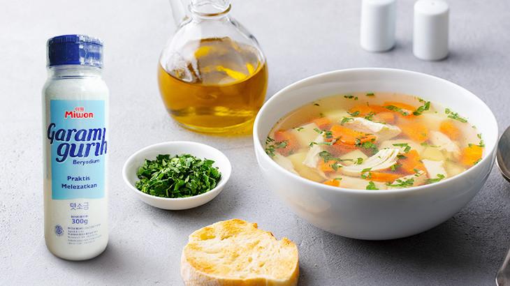 Resep Sop Ayam Bening, Menu Masakan Sehari-hari yang Praktis